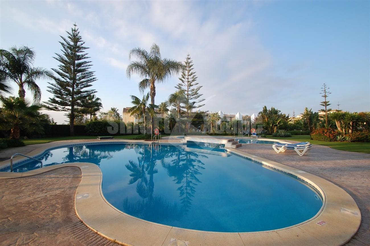 A5504 Beachside apartment Marbella 3 (Large)