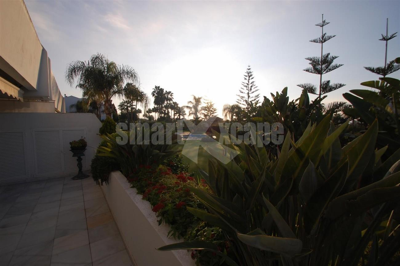A5504 Beachside apartment Marbella 11 (Large)