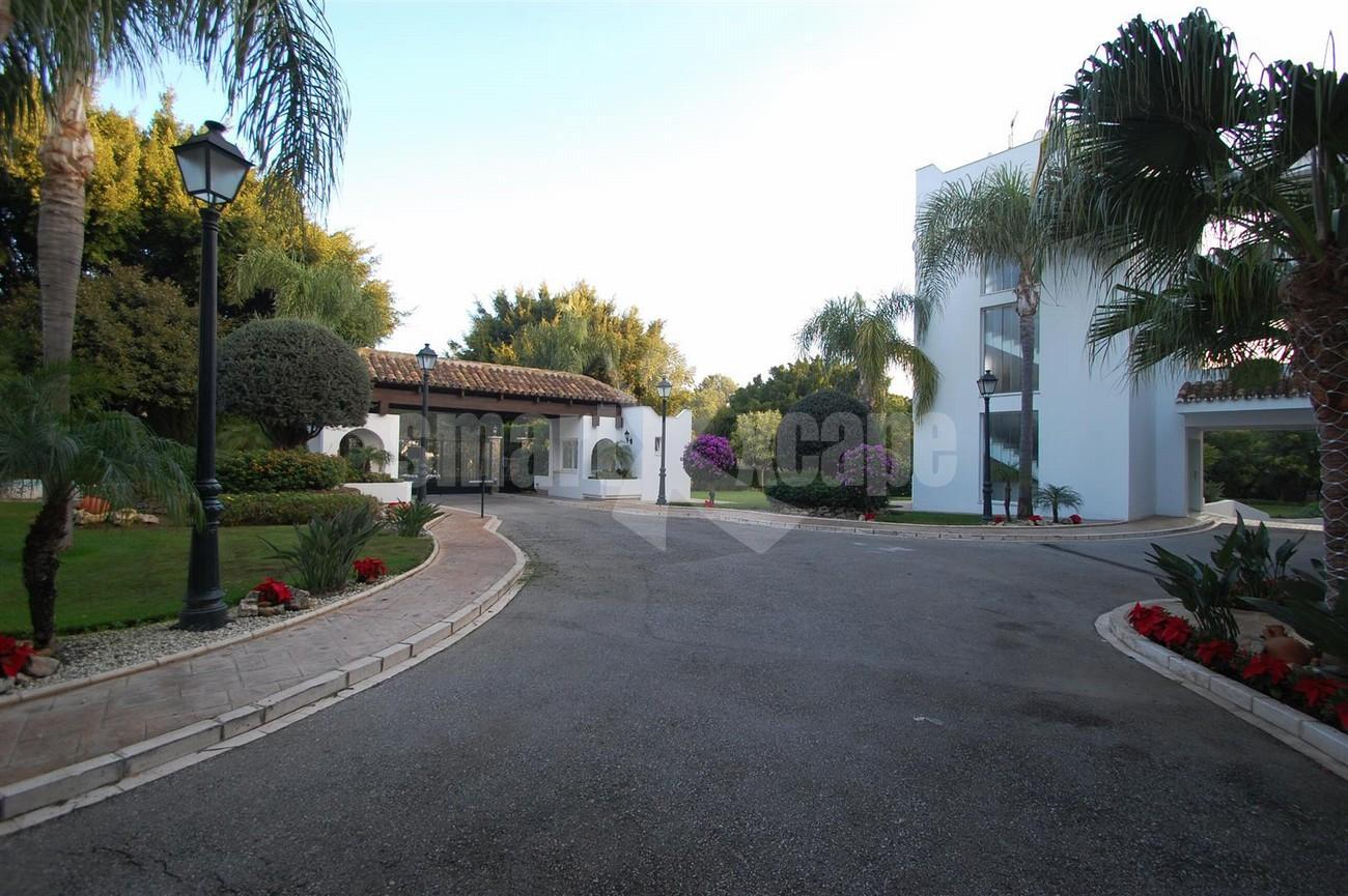 A5504 Beachside apartment Marbella 13 (Large)